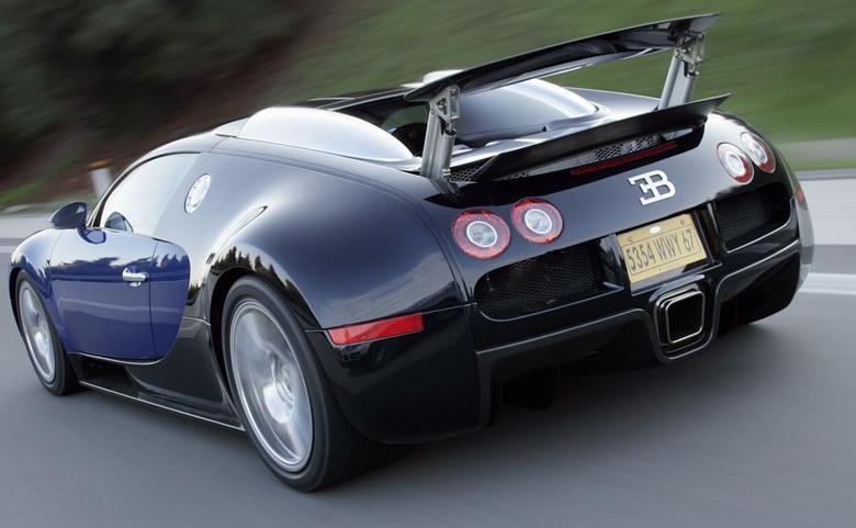 Bugatti Veyron 2005, vista trasera.