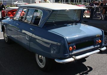Citroën AMI 6. Luneta trasera invertida.