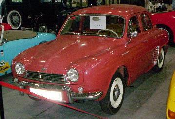 Renault Dauphine. Vista frontal
