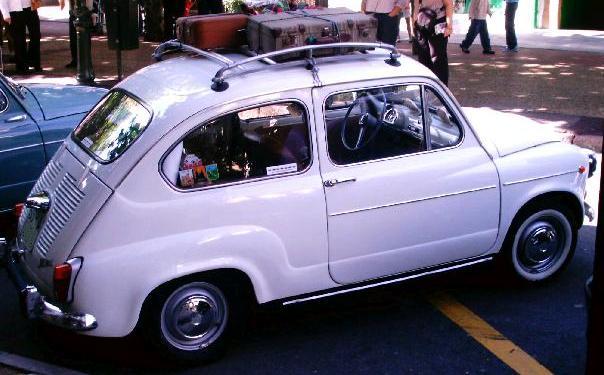 SEAT 600 E. Vista lateral.