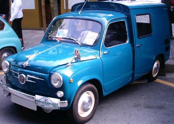 SEAT 600 Formicheta. Vista Frontal.