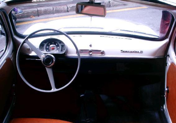 SEAT 600 D Descapotable. Vista Interior.