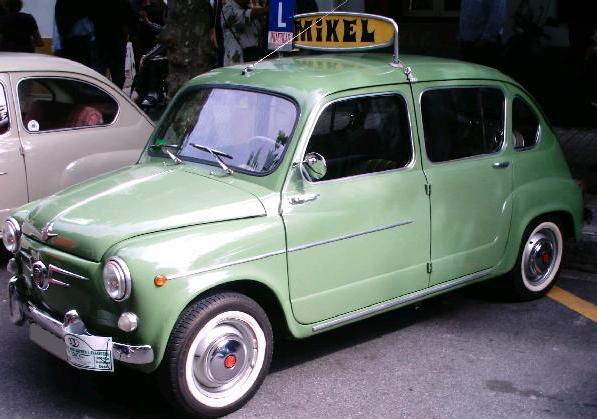 SEAT 800 Autoescuela.