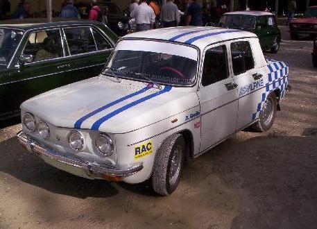Renault 8 TS. Vista frontal