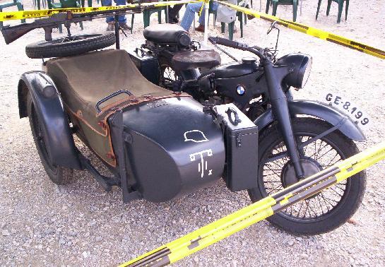 Moto BMW Militar con Sidecar.