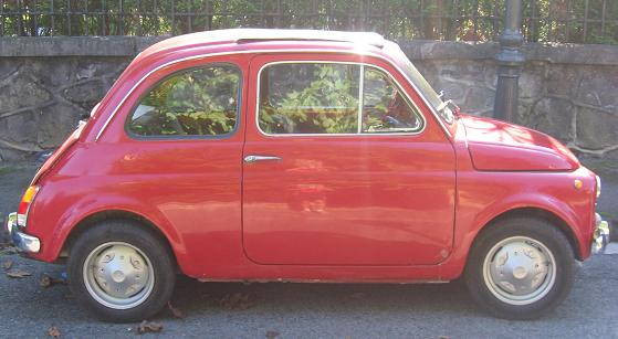 FIAT 500 descapotable. Vista Lateral.