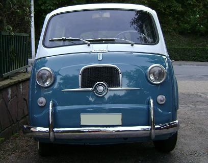 FIAT 600 Multipla. Adornos frontal