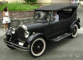 V Concentración de vehículos clásicos de Altza.