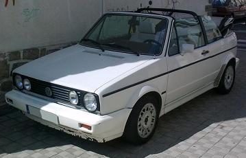 Volkswagen Golf MkI Cabrio. Vista frontal.