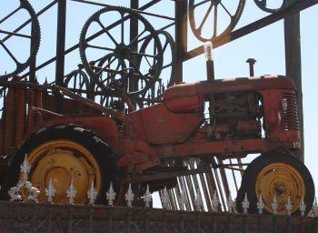 Antigüedades Juan Burgos. Tractores antiguos.