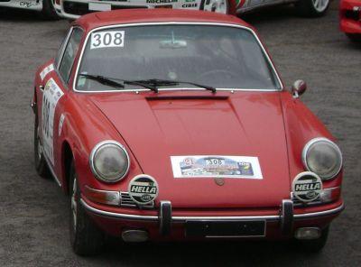 Porsche 911 tipo 901. Vista Frontal.