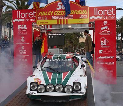 Un Lancia Stratos toma la salida en el Rally Costa Brava 2008