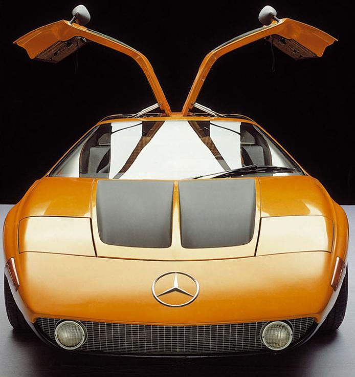Mercedes C111 II. Puertas de ala de gaviota.