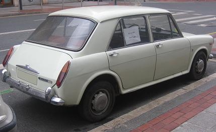 AUTHI Austin 1300 año 1972. Vista trasera.