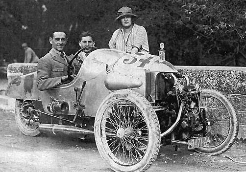 Triciclo Morgan año 1922, Pilotado por Giraud en Mout Ventoux.