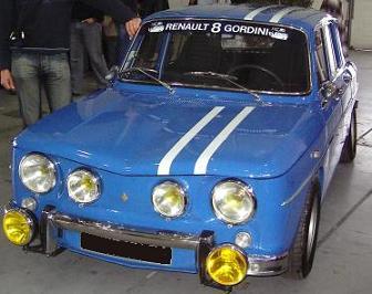 Renault 8 Gordini. Franjas blancas.