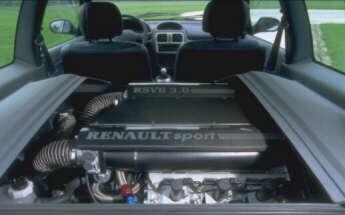 Renault Clio Sport V6. Interior y Motor.
