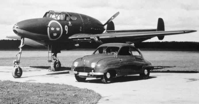 En 1949 Saab Fabricaba coches y Aviones