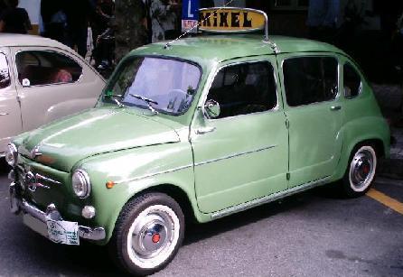 SEAT 800 Autoescuela. Vista Lateral.