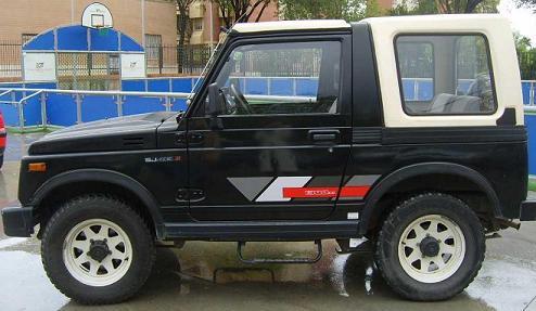 Suzuki SJ413 de 1.988. Vista lateral.