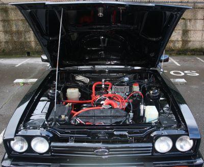 Motor Ford Capri.